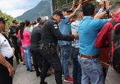 Mexico takes action against the migrant caravan from Honduras after Trump issues his demand