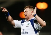 Nigel Owens forces player to apologise for taunting opponent