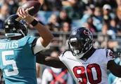 Jaguars bench quarterback Blake Bortles