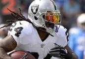 Raiders place RB Lynch on IR