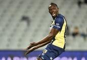 Bolt football dream stumbles after Aussie contract offer 'well short of $3mn demands'