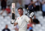 Leach revels in combining with childhood friend Buttler to take Perera wicket