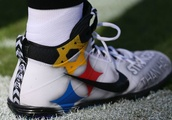Ben Roethlisberger's Cleats Honor Victims of Pittsburgh Synagogue Shooting