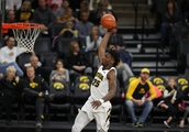 IOWA 93, GREEN BAY 82: BIG MEN HAVE BIG GAME
