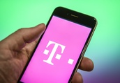 T-Mobile's early Black Friday deal includes free iPhones, LG and Samsung Galaxy phones