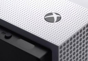 Rumor: Microsoft is preparing a disc-free Xbox One for 2019