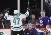 Stars Offense Scores A Touchdown Against The Islanders