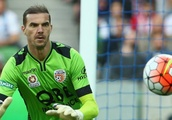 Wellington Phoenix sign 43-year-old goalkeeper Ante Covic as injury cover