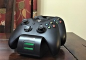 Fosmon Dual Charging Station for Xbox One controllers review: Heavy-duty charging for hardcore gamer