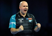 World Darts Championship 2018: Rob Cross begins title defence with comeback win over Jeffrey de Zwaa