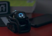 Anki's Vector, the adorable mini robot, is getting Alexa