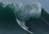 Female surfers at Mavericks to get equal prize money, a first