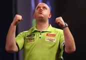 Boozy fan's bullseye beer chuck showers upset darts star at world championships