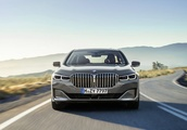 Big tech, bigger grille: BMW updates its 7 Series flagship for 2020