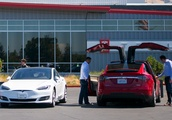 Elon Musk says that Tesla will end its buyer referral program on Feb. 1