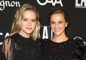 Reese Witherspoon Uses Snapchat to Get Her Teens to Clean Their Rooms, & It's Hilarious