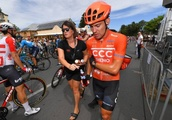 Brave Patrick Bevin rides final Tour Down Under stage, but injuries prove too painful