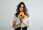 Dodie: Human review - YouTube star plays it safe
