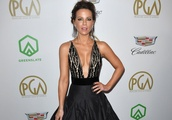 Kate Beckinsale captivates in plunging gown at the 2019 Producers Guild Awards
