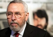 Tony Mendez death: Former CIA officer portrayed in 'Argo' film dies, aged 78