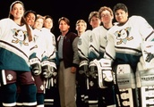 Kenan Thompson reunites with Mighty Ducks cast at hockey game