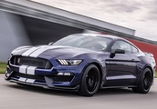 Watch Ford Mustang Shelby GT350 Crash on the Nürburgring