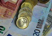 Britons stockpiling euros as Brexit day draws nearer