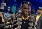 Watch: Antonio Brown Posts Instagram Video, Says 'If Your Team Got Guaranteed Money... Call Me'
