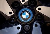 BMW warns of significant profit fall in 2019, seeks 12 billion euros in cuts