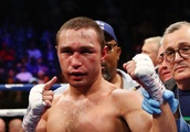 Sergey Lipinets knocks out Lamont Peterson in 10th round, Peterson retires