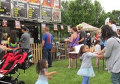 'Family of ribbers' delivers sweet and smoky choices at annual Elgin Ribfest