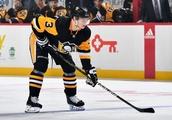 Penguins trade Olli Maatta to Blackhawks for Dominik Kahun