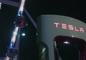 Tesla's new Vegas V3 Supercharger station uses solar and battery power