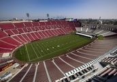 USC hopes to have team worthy of playing in dazzling Coliseum