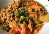 'Chicken' Thai Red Curry With Fried Rice [Vegan]
