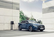 Mercedes downsizes its plug-in hybrid tech with the new A250e sedan, hatchback