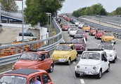 Giant parade of Fiat 500 cars