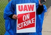 As talks falter, UAW calls first national strike against GM since 2007