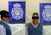 A man tried to smuggle cocaine under his poorly fitted wig. He was detained in Spain
