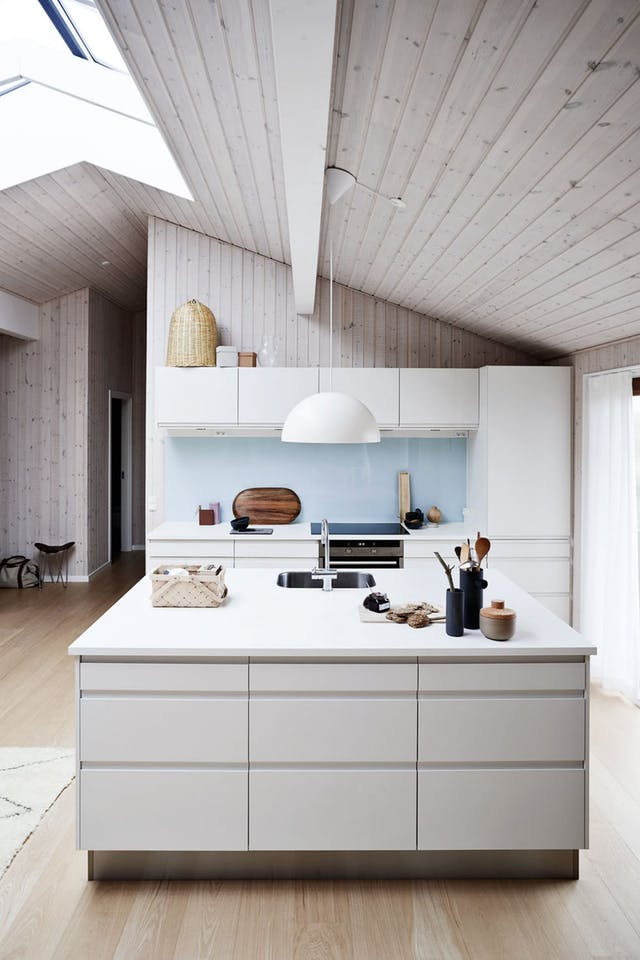 4a28c046e0a1 11 Beautiful Kitchen Backsplashes That Make Cleaning Easy 国际 蛋蛋赞