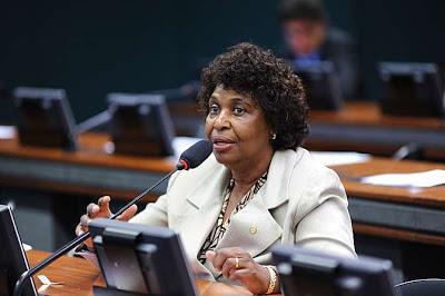 Justiça bloqueia bens e quebra sigilo fiscal de Benedita da Silva (PT-RJ)
