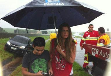 Lívya Andrade e Yudi do SBT sofrem acidente de carro – fotos