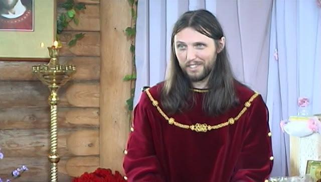 Este homem acredita ser o próprio Jesus Cristo e 4 mil pessoas já estão seguindo ele!