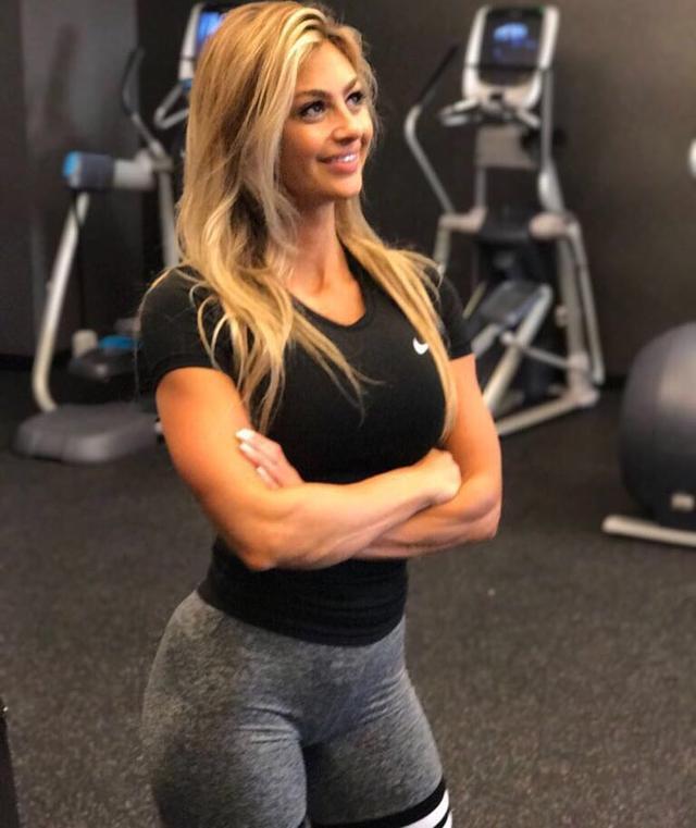 5 world's sexiest Instagram fitness models_国际_蛋蛋赞