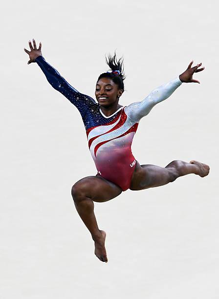 Simone Biles est le plus grand gymnaste de tous les temps – TB Sportives 313eb2250f3