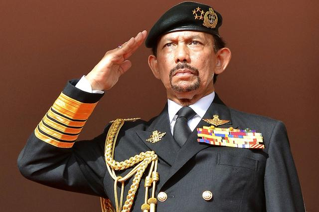 Battle of The Billionaires - The Sultan of Brunei VS The King of Thailand