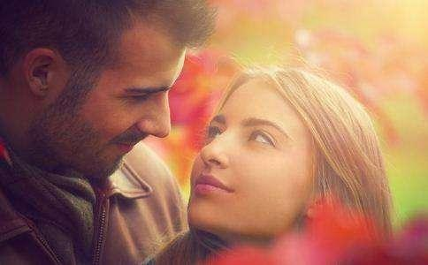 11 Signs You Mean EVERYTHING To Him