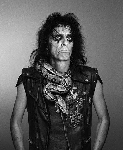 Alice Cooper Reveals How Jesus Saved His Life on Night He Was Throwing up Blood 40 Years Ago