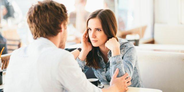 7 signs you're dating a narcissist, according to a clinical psychologist