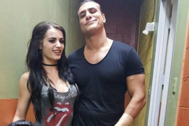 Paige datant Bray Wyatt gratuit local datant aucun signe jusqu'à